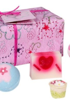 Bomb-Cosmetics-Pretty-in-Pink-Gift-Pack-0